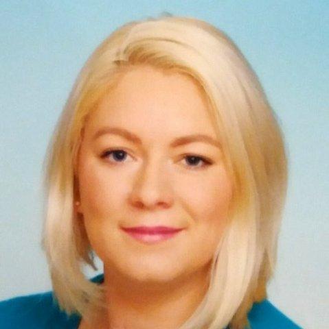 1-MARKETA HENYSOVA